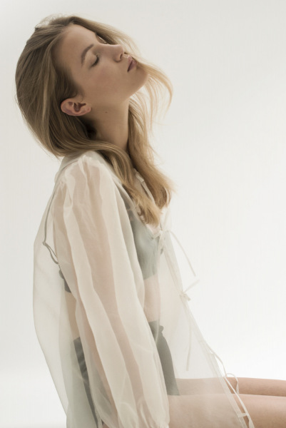 photography: Katharina Werle |styling: Franziska Wienecke | model: Feli c/o pma models | L'Officiel Austria