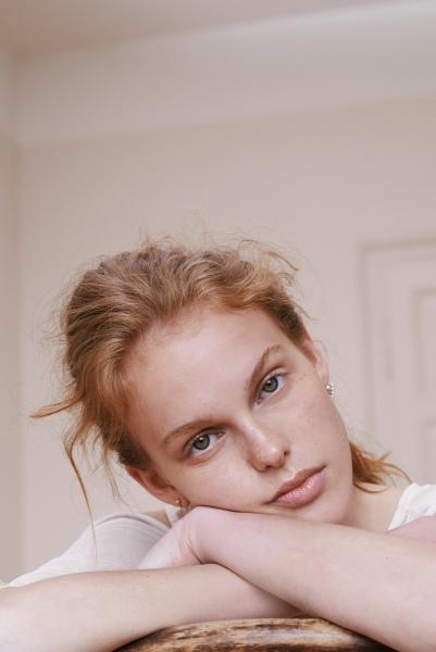 photography: Franziska Ambach   model: Esther c/o Vivienne Model Management
