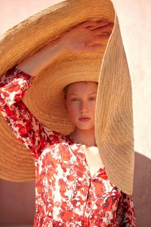 photography: Marco Trunz   model: Sandra Martens   client: LANIUS
