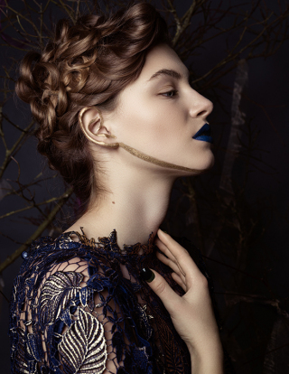 photography: Marina Schneider-Moog | make-up: Christine Eleven | hair: Rima Sium