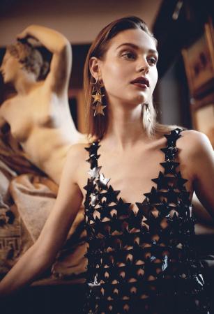 photography: Joerg Strehlau | hair & make-up: Simone Kostian | model: Anna Clara Schuhmann c/o Louisa Models | usage: Latest Magazine