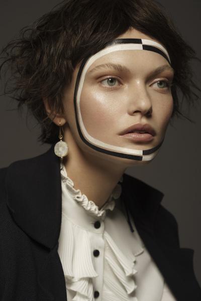 photography: Oliver Rudolph | model: Irina Roshik | usage: Harper's Bazaar Czech Republic