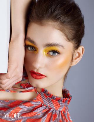 "photography: Sascha Schäfer | model: Rebecca Schmidt, Brodybookings Stuttgart | usage: ""Illumina"" Vigour Magazin"