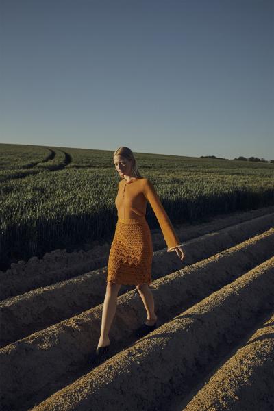 photography: Jaan Eric Fischer | model: Marie Louwes | production: Vera Troeger