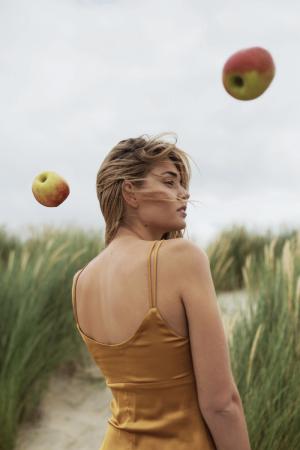 photography: Prisillya Junewin | styling: Chiara Bottin | model: Luisa Hartema c/o Munich Models | usage: Latest Magazine