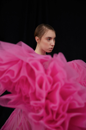 photography: Kaj Lehner | styling: Fatma Walter | model: Polly Roche | usage: SickyMag