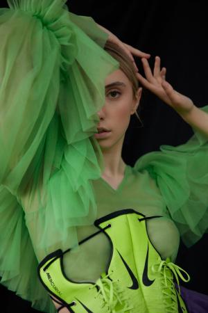 photography: Kaj Lehner   styling: Fatma Walter   model: Polly Roche   usage: SickyMag