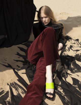 photography: Jessica Grossmann  styling: Mimi Roncevic c/o Blossom management  model: Stella c/o Tfm Berlin  usage: The Kunst Magazine