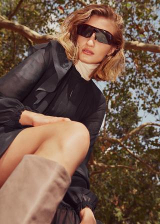 photography: Christoph Klutsch | styling: Johanna Björg Christensen | model: Merle Gerhardy c/o Tune Models | usage: Elle Serbia