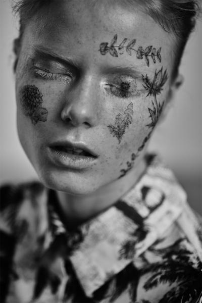 photography: Stefan Kapfer | hair & make-up: Tanja Kern | model: Emily Lipton | usage: ELLE Serbia
